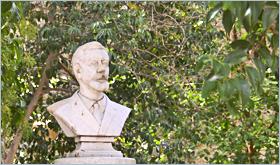 Sizilien - Corleone - Büste von Bernardino Verro, dem ersten Antimafia-Bürgermeister im Stadtpark von Corleone.