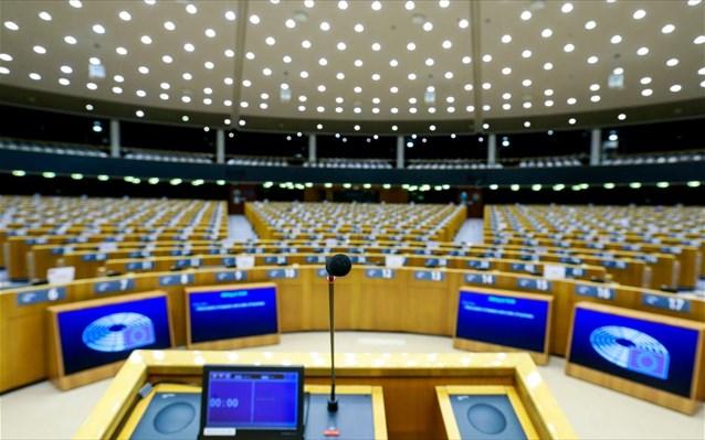 Covid: «Πέρασε», υπό όρους, το «Πράσινο Ψηφιακό Πιστοποιητικό» από την Ευρωβουλή
