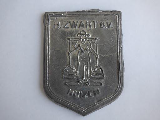 Naam: H. ZwartPlaats: HuizenJaartal: 2000