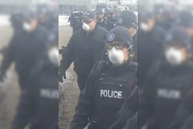 Perseguição, Mais de 200 policiais armados invadem igreja para impedir culto, no Canadá