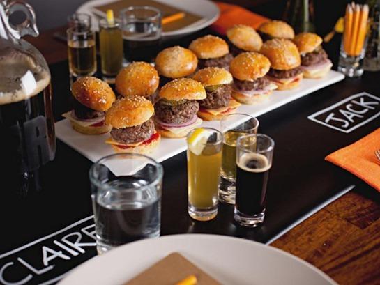 CC-Styles_Beer-Tasting-Party-09_s4x3.jpg.rend.hgtvcom.966.725