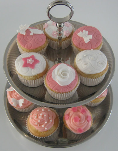 Roze met wit gemengde cupcake's.JPG