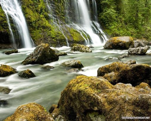 Thư giãn với bộ ảnh thác nước hùng vĩ nhất thế giới