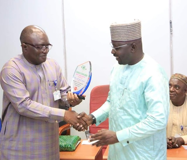 Ismaila Misilli Gets Award For Meritorious Service