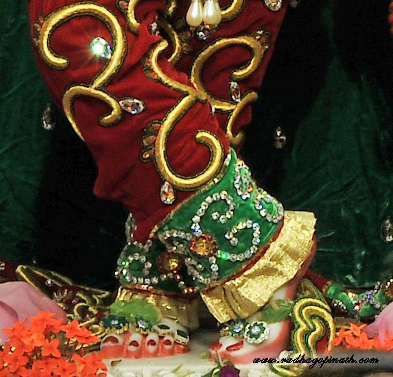 ISKCON Chowpatty Deity Darshan 19 Dec 2015 (14)