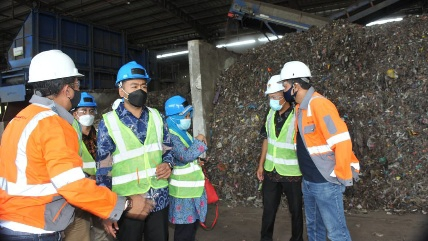 Olah Sampah Menjadi Energi Pengganti Batu Bara, Wagub Sumbar Kunjungi TPST RDF Cilacap