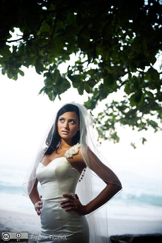Foto de casamento 0304 de Monique e Joel. Marcações: 04/09/2010, Casamento Monique e Joel, Fotos de Vestido, Rio de Janeiro, Vestido, Vestido de Noiva.