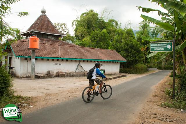 Rute jalan menuju sunrise Borobudur, Punthuk Setumbu