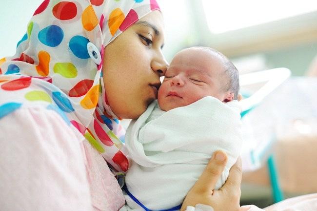 Bayi Lahir Malam Idul Fitri Apakah Wajib Zakat Fitrah?