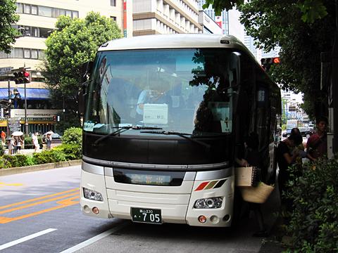 富山地方鉄道「富山東京線」 ・705 池袋駅東口改札中