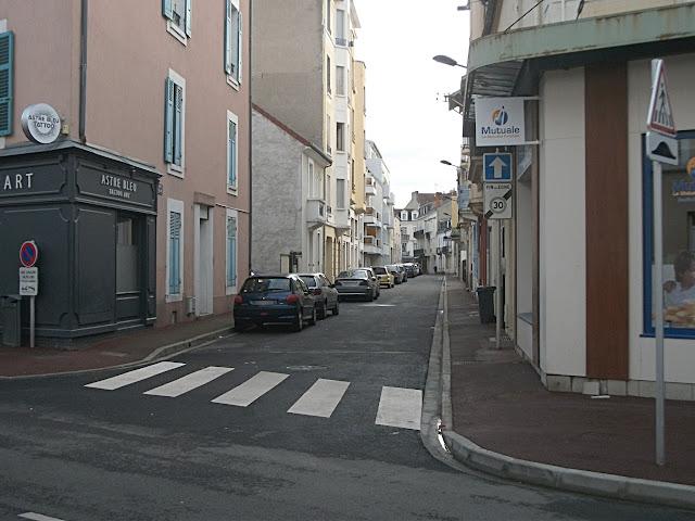 Cette rue reliant deux rues en zone 30 reste limitée à 50