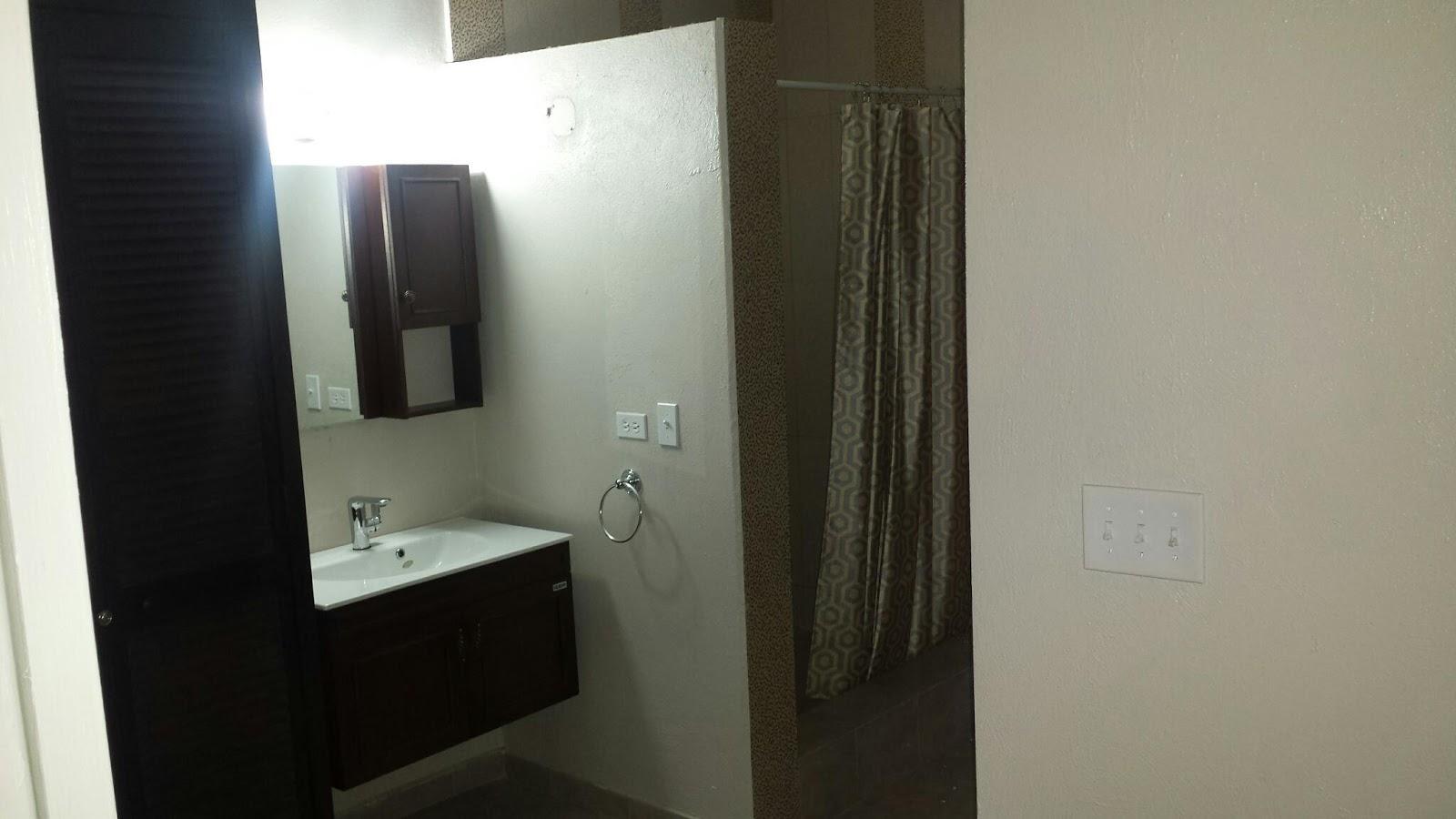 appartement d 39 une chambre coucher louer avec ou sans meubles le courtier immobilier d 39 haiti. Black Bedroom Furniture Sets. Home Design Ideas