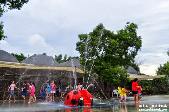 沐卉親子農場噴泉玩水區