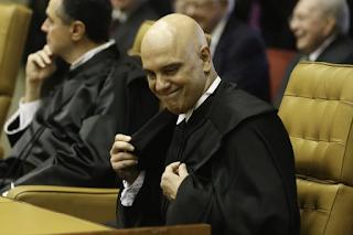 Moraes nega recurso e mantém multa de R$ 100 mil a Daniel Silveira