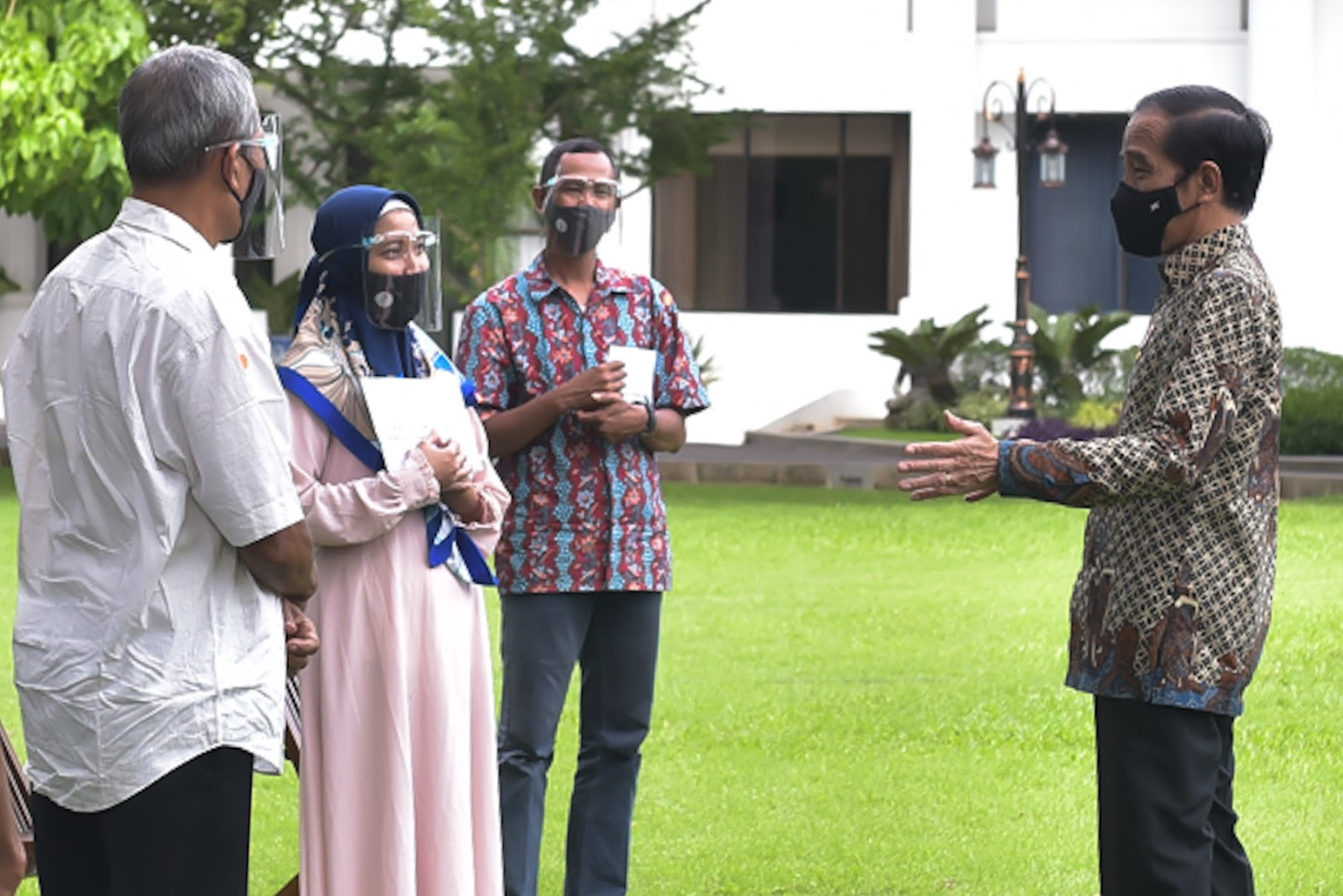 Jokowi Ajak Pelaku UMKM Jualan Online