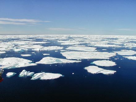 Η επέλαση του χιονιά κατά την άνοιξη στην Ευρώπη προκαλείται από την ταχύτατη τήξη του θαλάσσιου πάγου στην Αρκτική