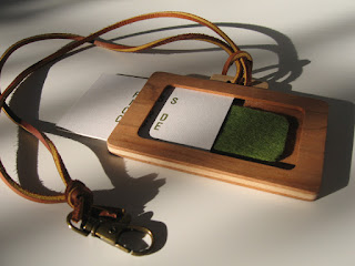 木のパスケース「バッグ型」ネームホルダー wood pass case 「bag 」