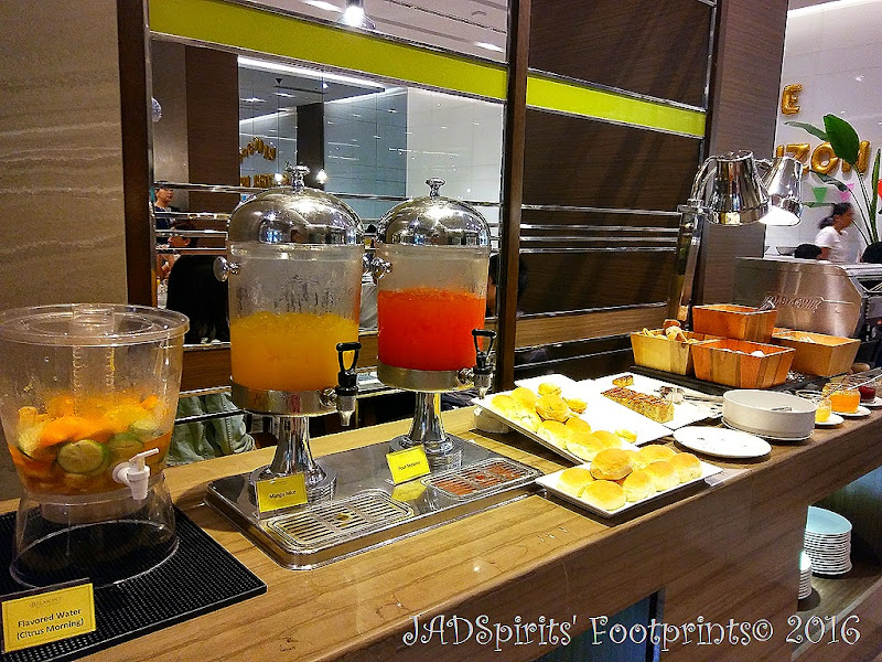 Flavored water, juices, different type of delicious breads