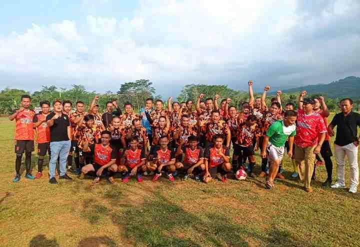 Ormas Pemuda Pancasila Selenggarakan Pertandingan Sepak Bola Persahabatan..