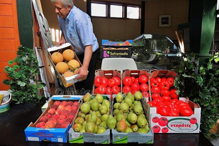 Niko der Grieche griechischer Markt Neumarkt am Wallersee