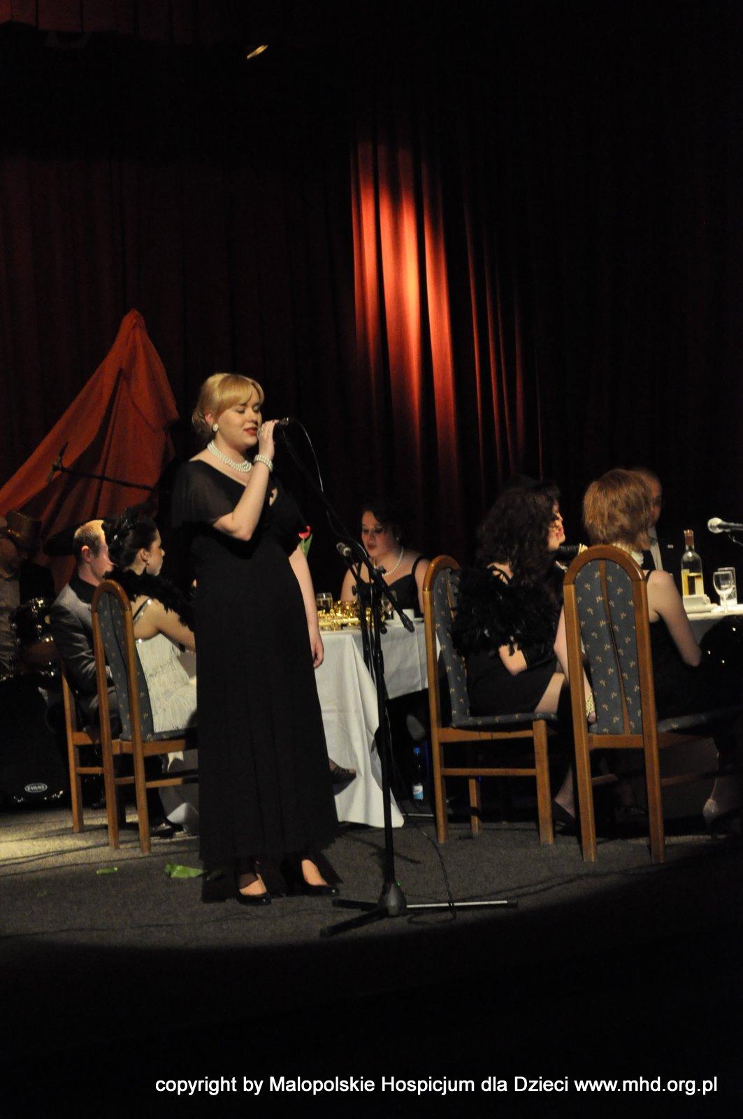 Koncert muzyki lat 20 i 30 XX wieku, przygotowany przez wolontariuszy i przyjaciół MHD z okazji 5. rocznicy powstania MHD. Impreza odbyła się 26 lutego 2011 roku w Klubie 2. Zmechanizowanego w Krakowie.  Autor zdjęć: Kamila -bardzo dziękujemy :)