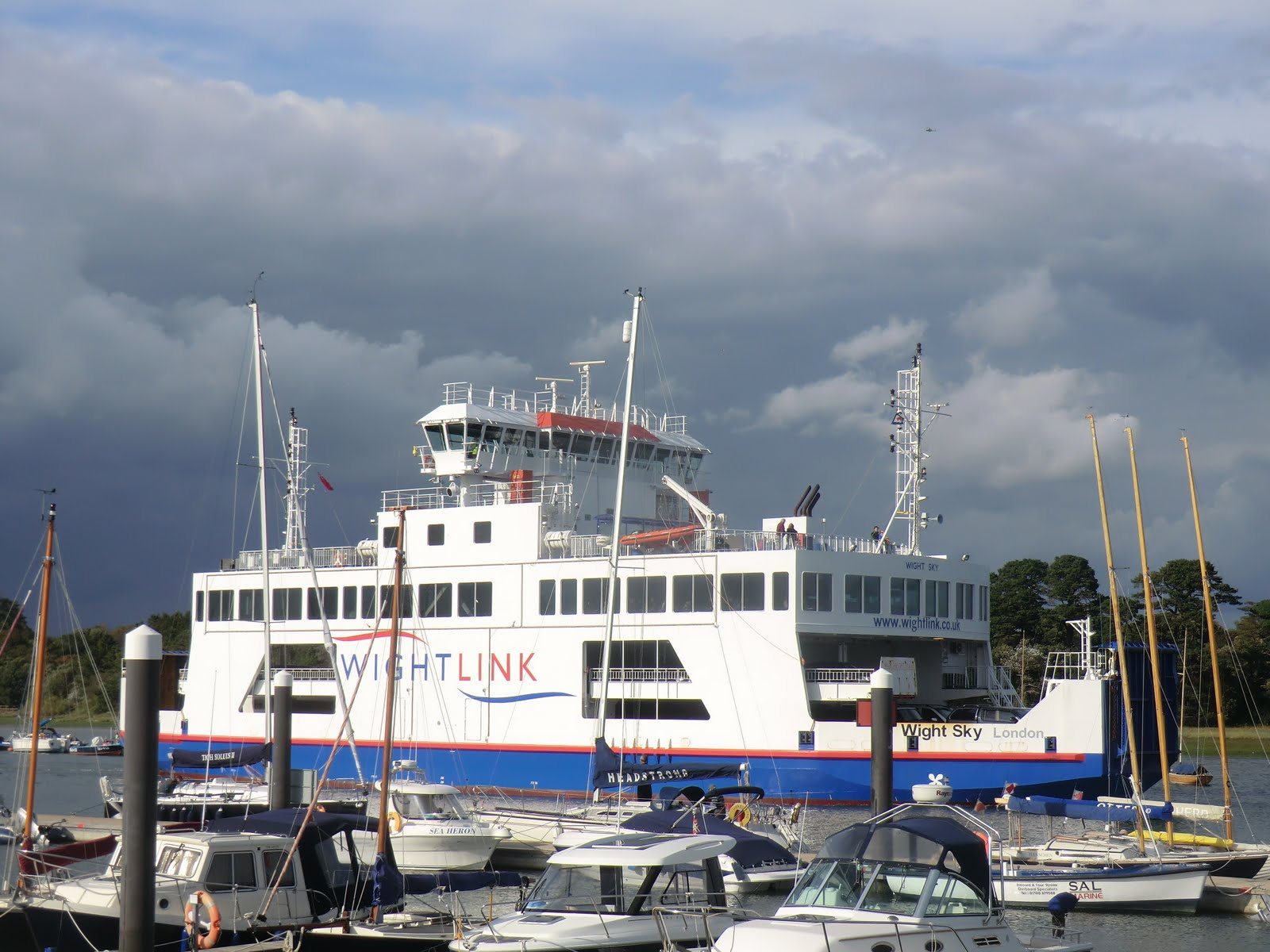 CIMG4509 A Wightlink ferry heading for Yarmouth (IoW)