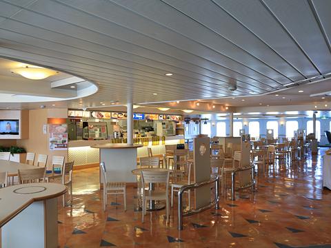 新日本海フェリー「らいらっく」 4階カフェコーナー