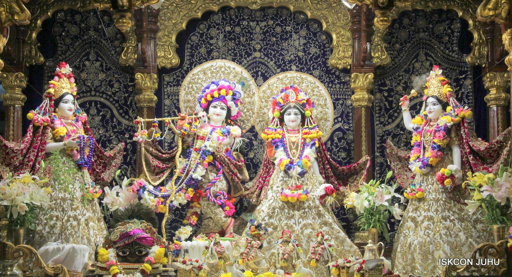 ISKCON Juhu Sringar Deity Darshan on 24th Oct 2016 (2)