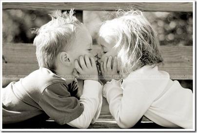 niños besandose (12)