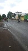 Jalan Raya Tegal Wangi Rusak Dan Berlubang.
