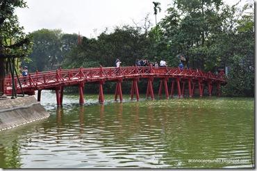 Hanoi. Lago Hoan kiem. Puente Huc