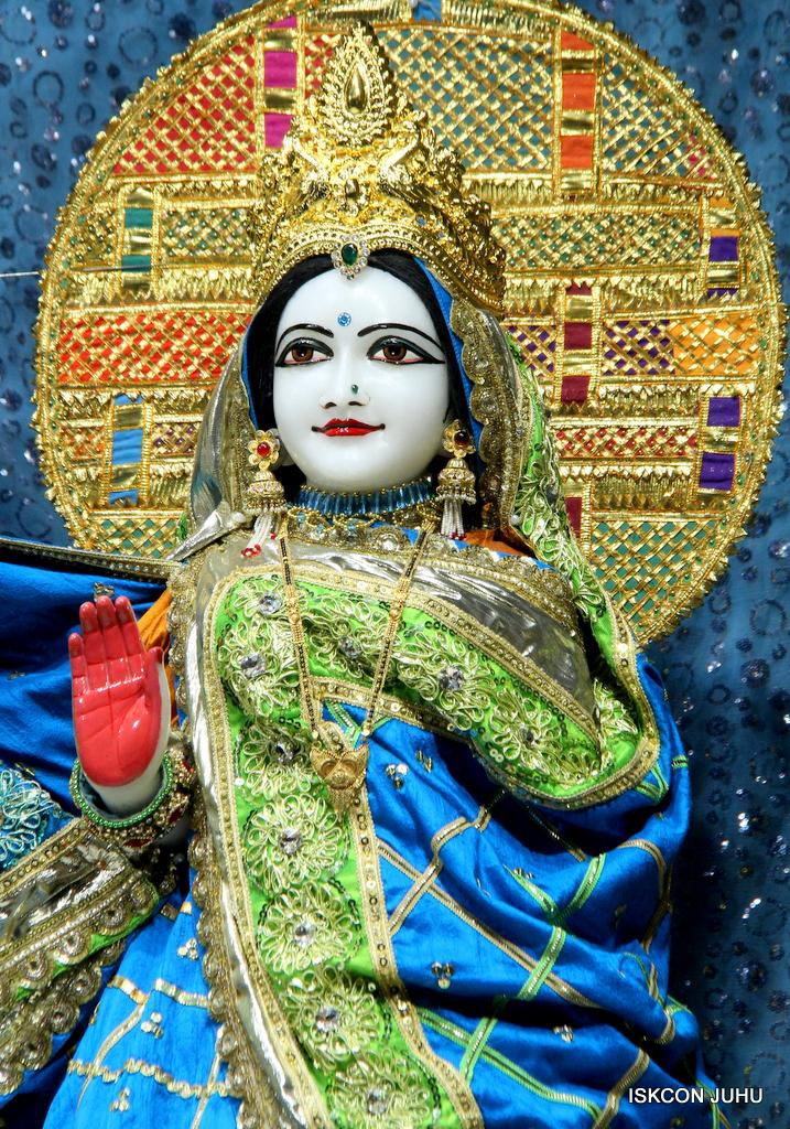 ISKCON Juhu Mangal Deity Darshan on 5th Sep 2016 (6)
