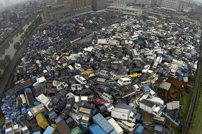 china-pollution-car-scrapyard-8