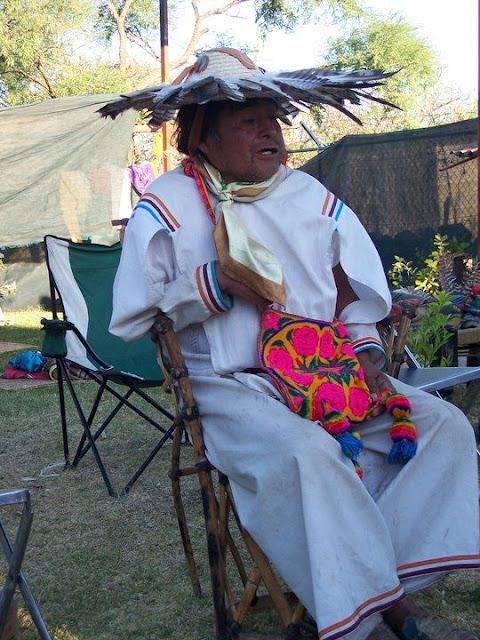 Ceremonia de Xicuri Neira con los hermanos Wixarikas (huicholes) - 29333_112390102129363_100000751222696_76169_1947426_n%255B1%255D.jpg