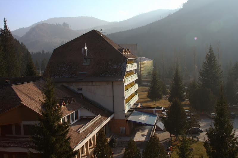 statiune hotel bradul Muntii Vrancei Lacauti