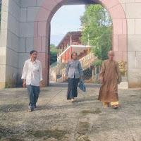 [DCQD-0100] Thầy thăm Chân Không (2001)