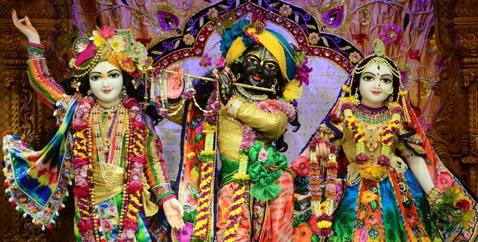 ISKCON GEV Deity Darshan 06 Jan 2017 (21)