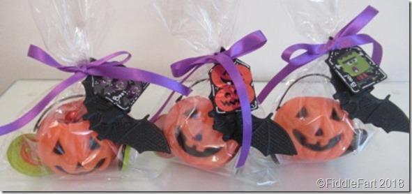 Halloween pumpkin pot favours