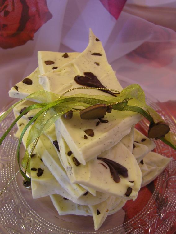 Weiße Bruchschokolade mit Vanille, Kaffee - und Liebe