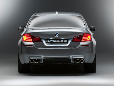 2011_BMW-M5_Concept_1600x1200_Rear