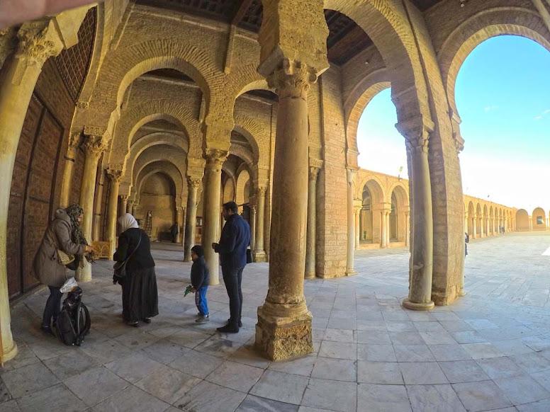 Visitar KAIROUAN e aprender a conturbada história do Islão | Tunísia