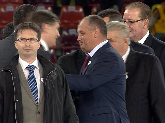Mihai Sandu Capră şi Constantin Galan, prezentaţi drept candidaţi PNL la mitingul USL de pe Arena Naţională