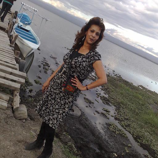 Shabina Shah Photo 5