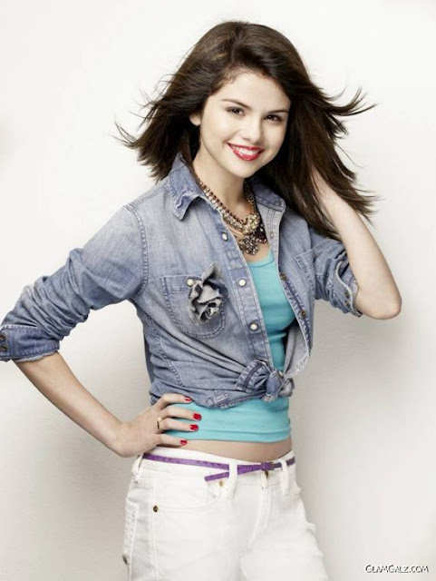 selena gomez braces. pictures selena gomez rock god
