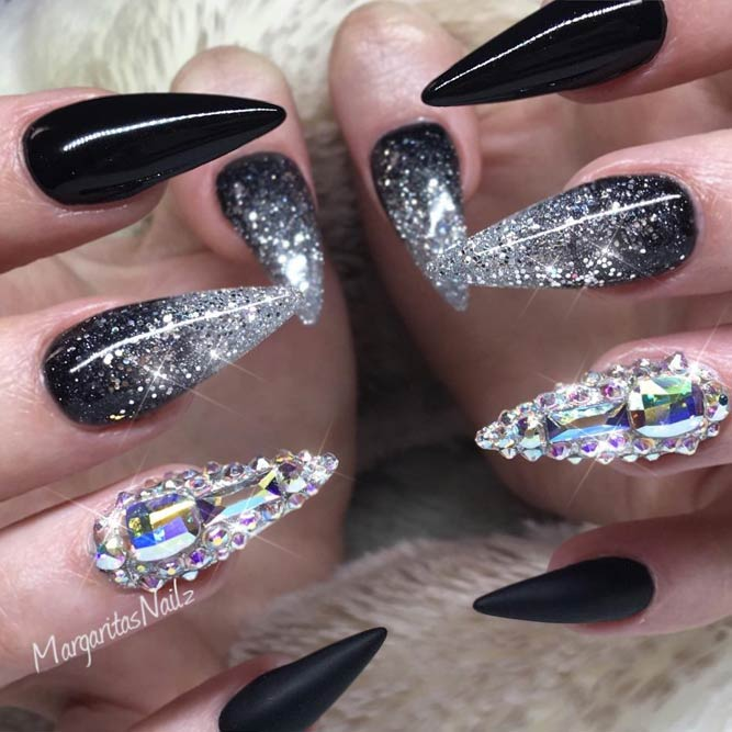 New Fearless Combinations with Black Stiletto Nails - fashionist now