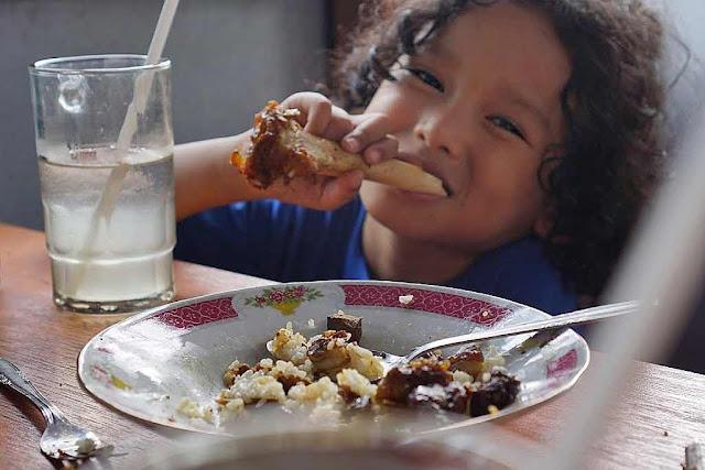 tips agar anak lahap makan