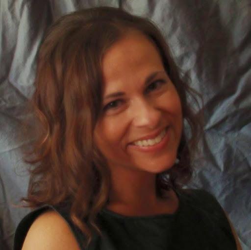 Stephanie Maxwell Photo 26