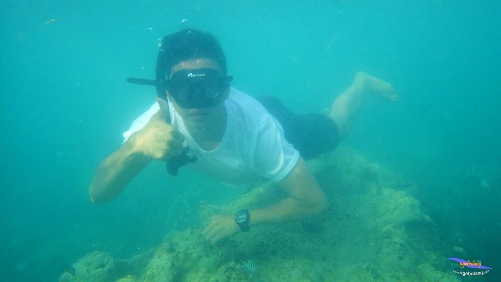 family trip pulau pari 090716 Pentax 16