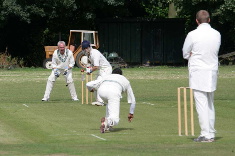 Cricket-2011-OsmstAway-WS10