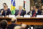 Germano Rigotto fala durante visita do ministro Mantega a Câmara para falar a bancado do PMDB sobre a Reforma Trubitária. Ao seu lado o dep Henrique Alves. Brasília, 11/03/2008 - Foto Orlando Brito